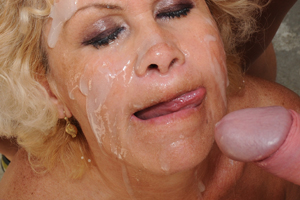 GILF covered in cum